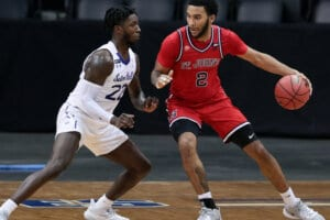 St. John's hosts a struggling Seton Hall team trying to salvage their season and sneak into the NCAA tournament.